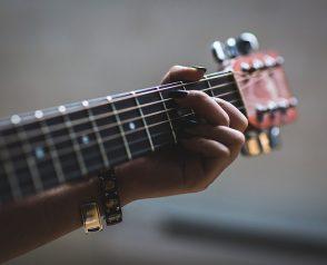 Comment entretenir une guitare ?